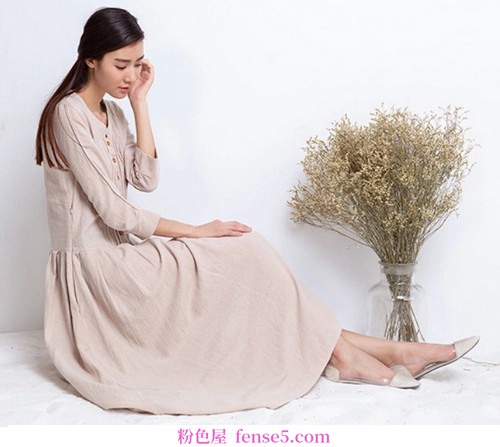 长裙的宁静和优雅