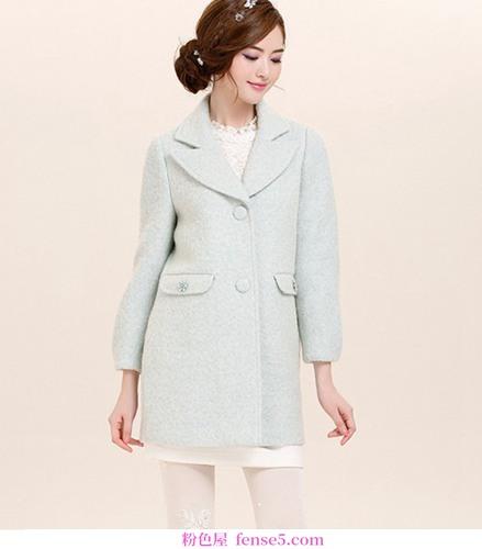 告别冬天的臃肿和肥胖,呢子大衣享受瘦有三招