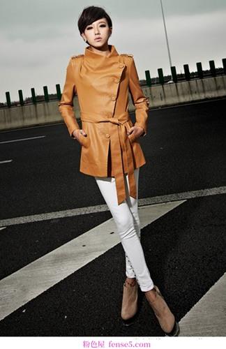 这件薄外套将会优雅迷人