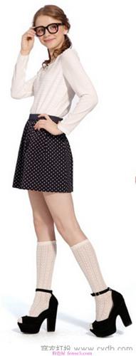 美腿的秋短裙最抢眼