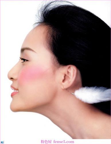 四个冬天常见皮肤问题的解决方案