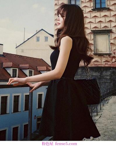 必备衣柜——小黑裙