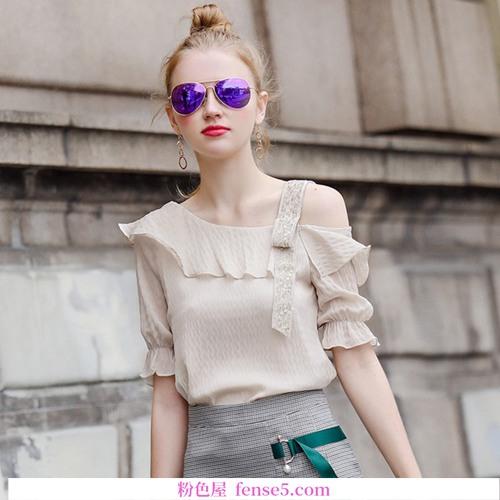 穿雪纺衬衫可以减轻夏天的炎热