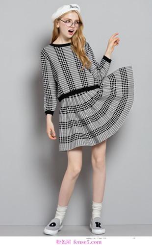 暖秋针织连衣裙