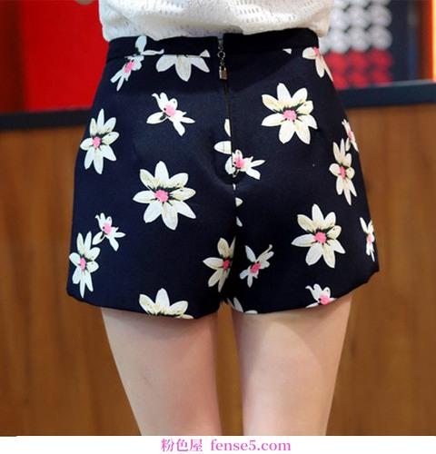 没有时间在秘密花园里穿花短裤来完全